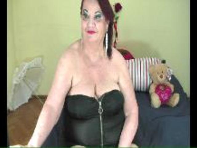 Lucille4you's Web Cams